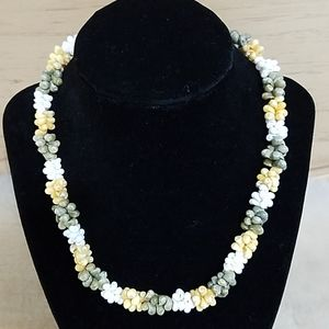 Jewelry - Muli-color Shell Beads Necklace